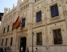 El Consell de Govern aprueba el Proyecto de Ley que regula el alquiler turístico y establece un techo de plazas