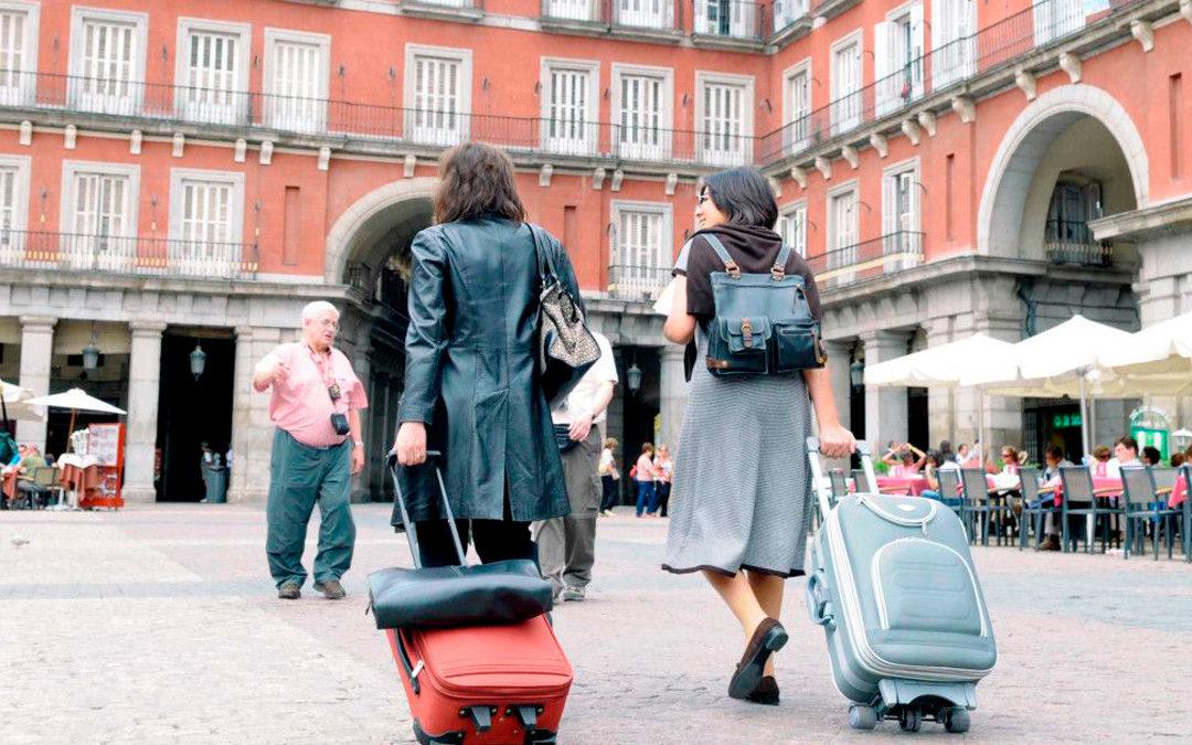 Madrid lanza una campaña a favor del alquiler vacacional para desmentir mitos de las VUT.